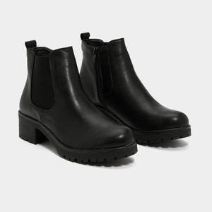 BNIB - Nasty Gal Heeled Chelsea Boots